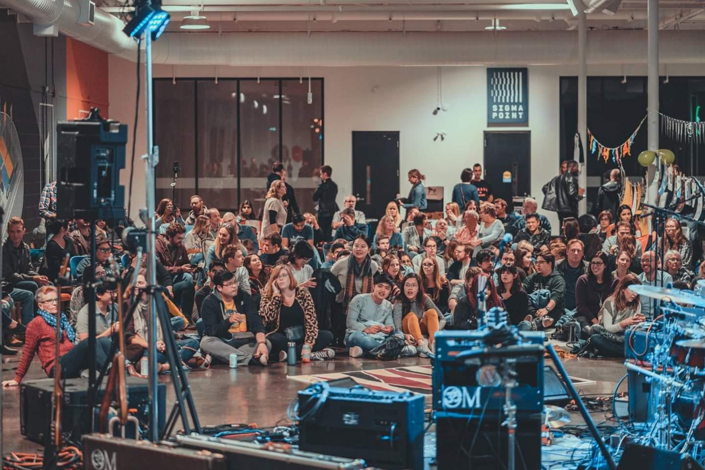 sofar crowd